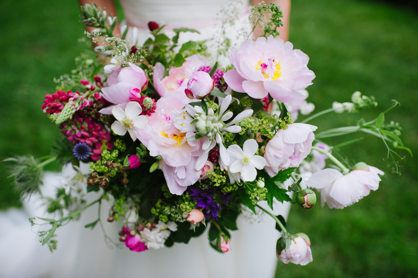 Bridal Guide Beautiful Bouquets For A Spring Wedding