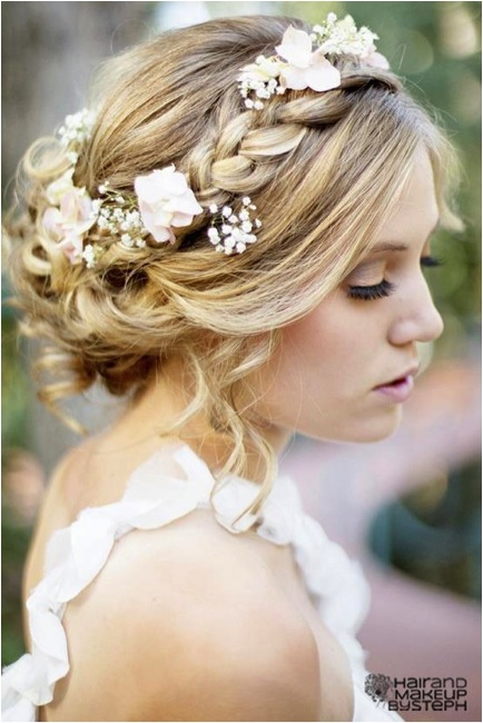 Bridal Guide - The Hottest Wedding Hairstyle Trend on Pinterest ...