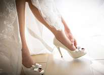 Thumbnail image for Tips for Walking in Heels (Like a Boss!) on your Wedding Day