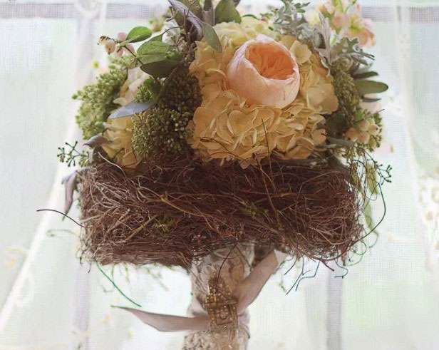 Give Your Bouquet an Elegant Vintage Throwback