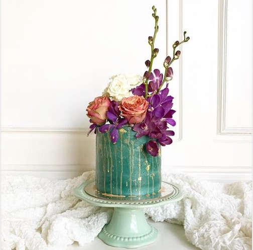 Your #Wedding deserves a Single-Tier Show-Stopping Cake